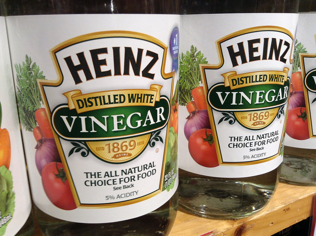 Vinegar for oven cleaning
