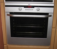 Single cavity oven cleaning