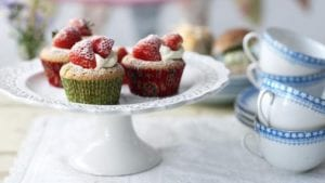 strawberries_and_cream_43032_16x9